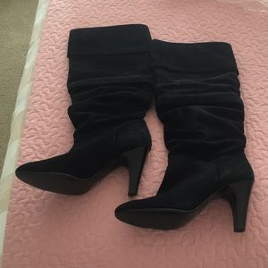 Nine West suede boots size 8